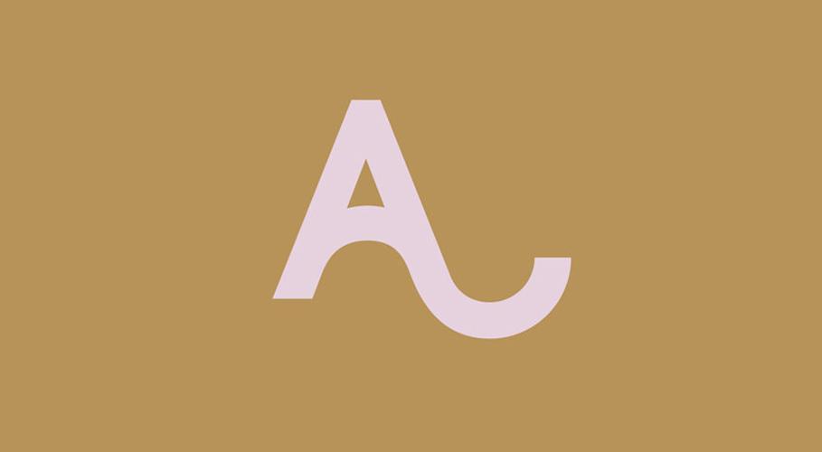 Alexa Chung, logo