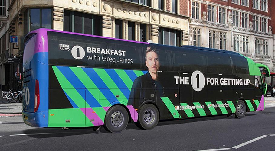 Radio 1, bus